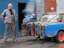 Hybrid na ruský způsob: Tahle Lada nejezdí na benzín, ale na dřevo!