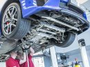 Jak se opravuje supersport Lexus LFA? Tuhle práci chcete!