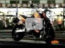 KTM 990 SuperDuke R řádí v Tokiu