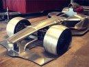 Šílenec staví repliku formule s motorem Ferrari. Chce ji poslat na silnice