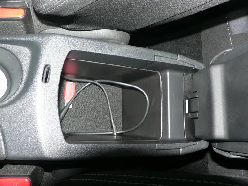 Fotogalerie Citroën C4 úložný Prostor Loketní Opěrky