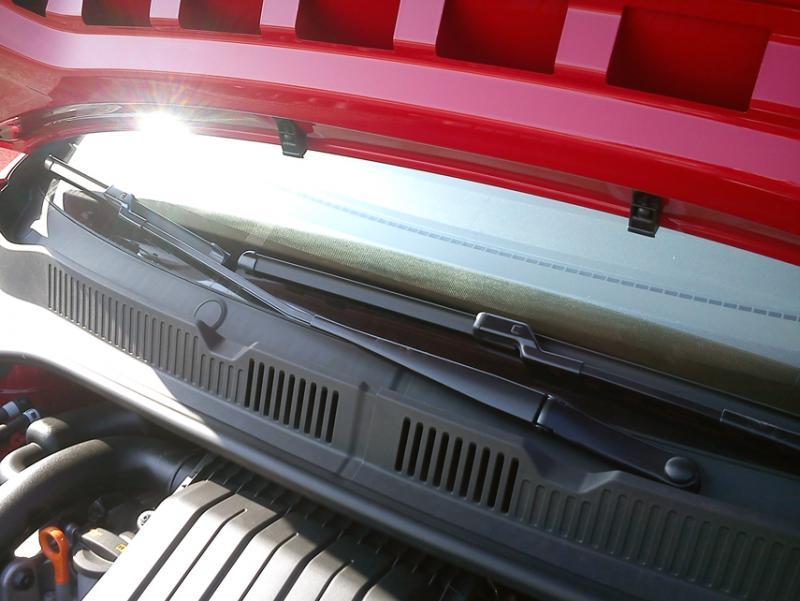 Volkswagen >> Fotogalerie Volkswagen Up! - Stěrače Aero - MOJE.AUTO.CZ