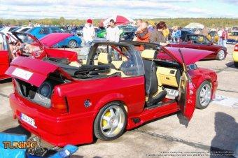 Ford Escort: titulní fotka