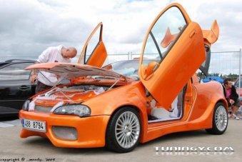 Opel Tigra: titulní fotka