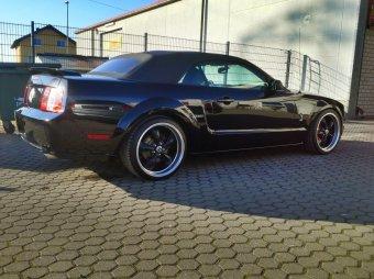 Ford Mustang: titulní fotka