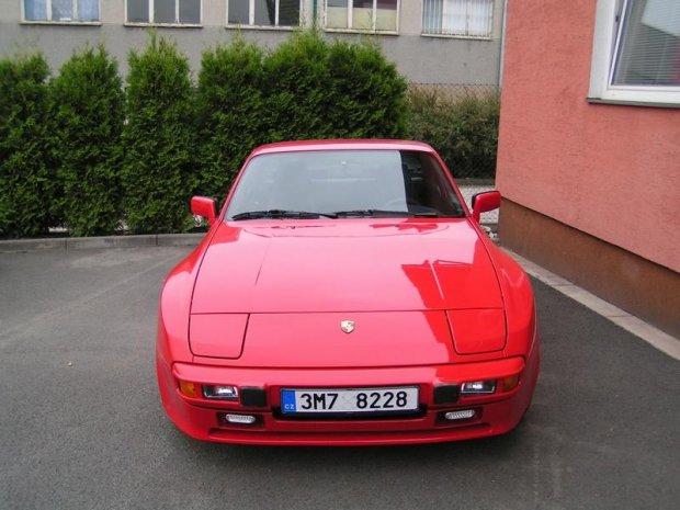 Porsche 944