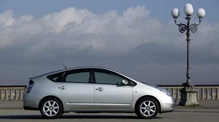 Toyota Prius (2. díl): Od pantáty vedou dráty…