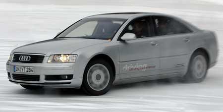 Audi A8 na ledu  - bez ESP a hodn� rychle