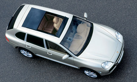 Porsche Cayenne: nyní s 500 k a se skleněnou střechou