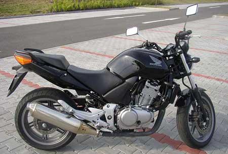 Test: Honda CBF500: levn� bike pro za��te�n�ky
