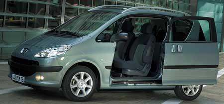 Zajímavé detaily (1.díl): posuvné dveře Peugeotu 1007