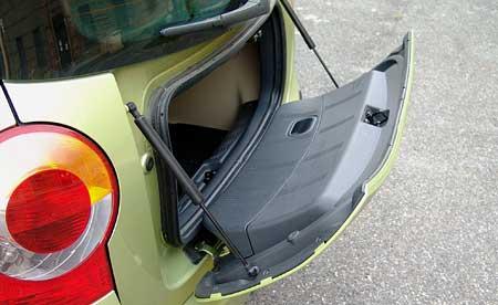 Zajímavé detaily (2.díl): Renault Modus - víko zavazadelníku