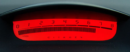 Zajímavé detaily (4. díl): volant Citroënu C4 v praxi (video)