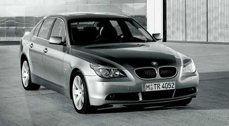 BMW 5: 2005 - Pohon všech kol a nové motory