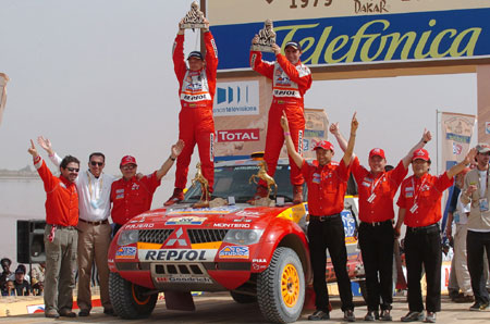 Dakar: vítězství slaví Despres, Peterhansel a Kabirov