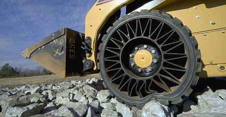 Michelin Tweel: pneu bez duše i bez vzduchu