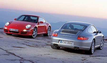 Nové Porsche 911 s pohonem všech kol