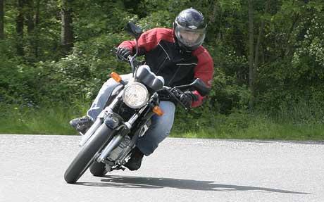 Test: Honda CBF250: motorka, co nekouše (+VIDEO)