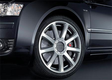 Audi A8 dostane keramické brzdy