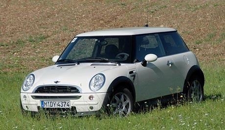 První jízdní dojmy MINI: Cooper One D 65 kW a Characters