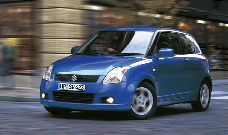 Třídveřový Suzuki Swift: o deset tisíc levněji než 5D
