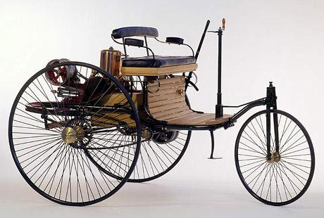 První automobil vznikl před 120 lety