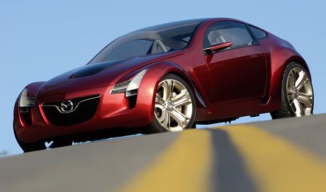 Mazda Kabura: odvážné kupé 3 + 1