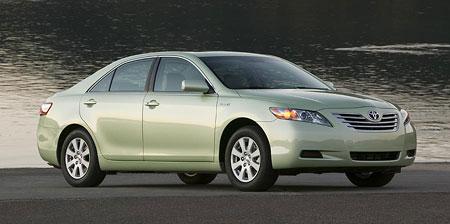 Toyota Camry: bestseller tentokrát i s hybridním pohonem
