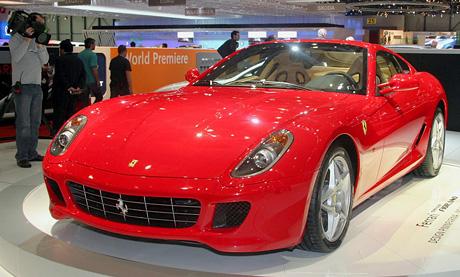 Ženeva živě: Pininfarina přivezl otevřené vozy a Fiorano