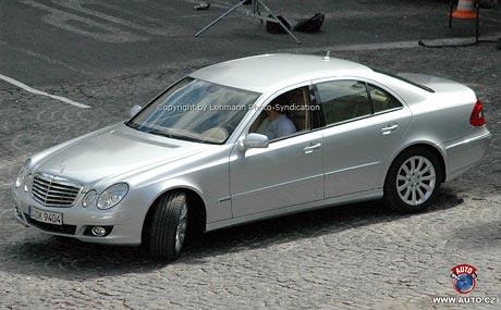 Mercedes-Benz: 33 éček pojede z Paříže do Pekingu
