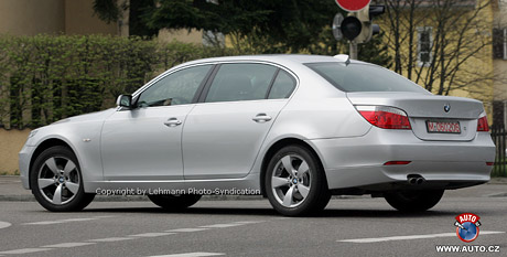 Spy photos: BMW 5 Long
