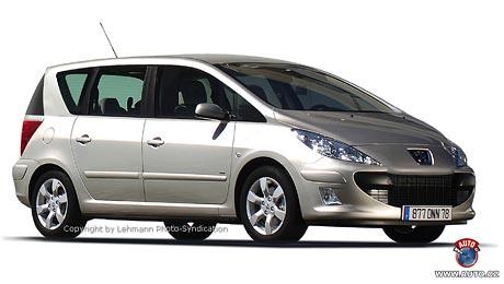 Spy Photos: Peugeot 3008 a 308