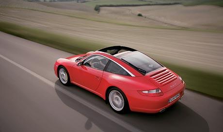 Nov� Porsche 911 Targa: Poprv� s pohonem v�ech kol!