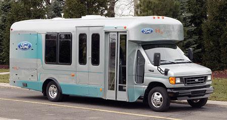 Ford za�al vyr�b�t prvn� s�riov� motor na vod�k!