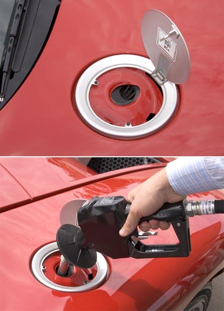 Ford zavede do výroby bezvíčkové hrdlo palivové nádrže