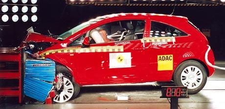 EuroNCAP: pět hvězdiček pro Ford S-MAX i novou Corsu