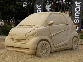 Nový Smart ForTwo jako hrad z písku (první foto)