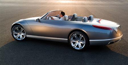 Renault Nepta: pětimetrový kabriolet pro čtyři