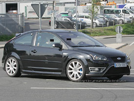 Spy Photos: Nov� Ford Focus RS
