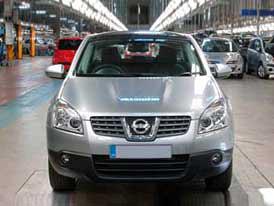 Britská vláda pomůže automobilovému průmyslu garancí úvěrů