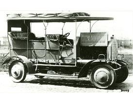 1907-2007: 100 let osobn�ch aut s pohonem v�ech kol