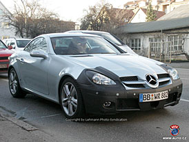 Spy Photos: Facelift pro Mercedes-Benz SLK