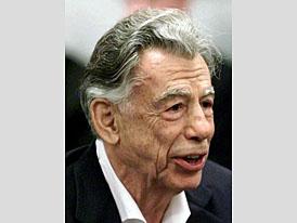 Miliardář Kerkorian chce získat vliv ve Fordu