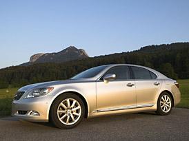 Lexus: Plošné snížení cen o 85 až 245 tisíc Kč. Zatím do června.