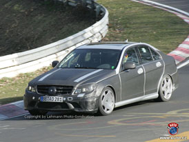 Spy Photos: Mercedes-Benz C 63 AMG a nové kombi třídy C