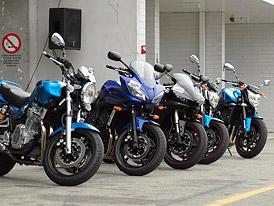 Yamaha den: jízdní dojmy s YZF-R1 a fotogalerie