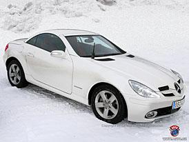 Spy Photos: Mercedes-Benz SLK s formulovým nosem i po faceliftu