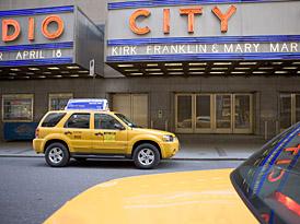 """New York Taxi: hybridní taxíky jsou """"in"""""""