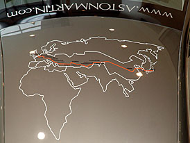 Aston Martin V8 Vantage – cesta Tokio-Londýn