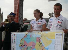 Fiat Panda s polskými cestovateli se vrátil z Afriky